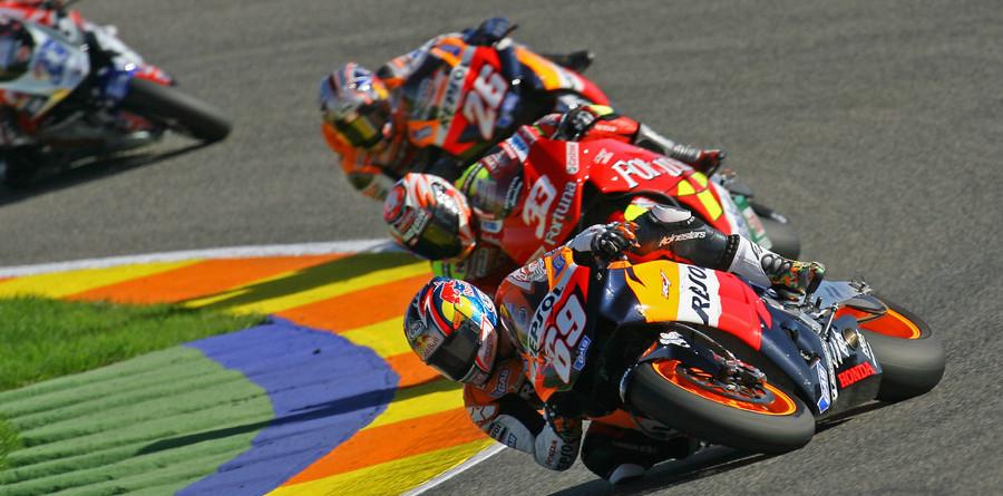Hayden is 2006 champion as Rossi falls in Valencia