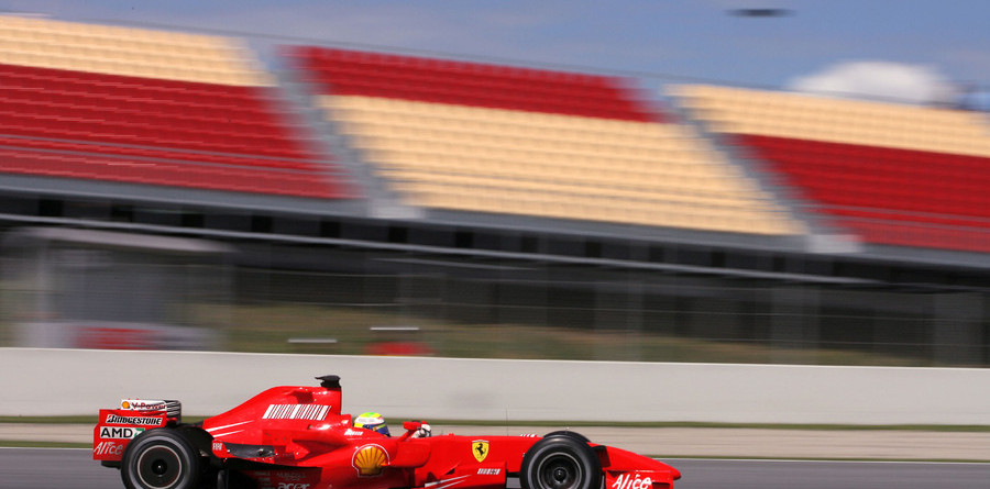 Massa keeps Ferrari on top at Barcelona