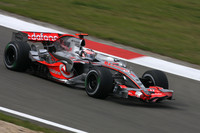 Alonso sets the pace on Hungarian GP Friday