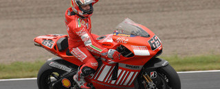 MotoGP Capirossi takes Motegi, Stoner the championship