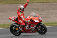 Capirossi takes Motegi, Stoner the championship