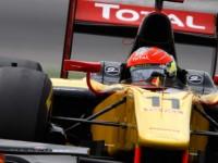 Grosjean takes season opener pole in Istanbul