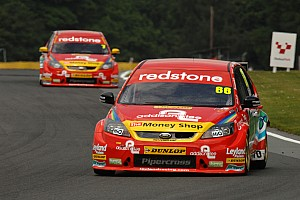 BTCC Airwaves Racing Outlon Park Event Summary