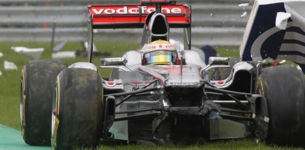 Hamilton knocked unconscious in Spa crash