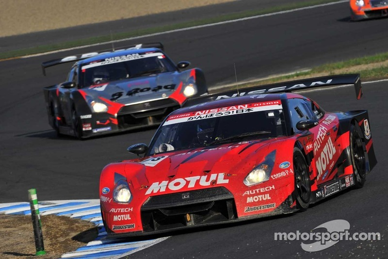Thrilling title duel between two Nissan GT-Rs at Motegi