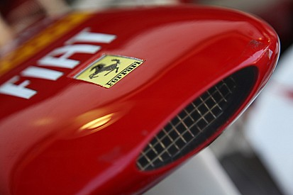 2012 Ferrari has ugly 'bump' on nose