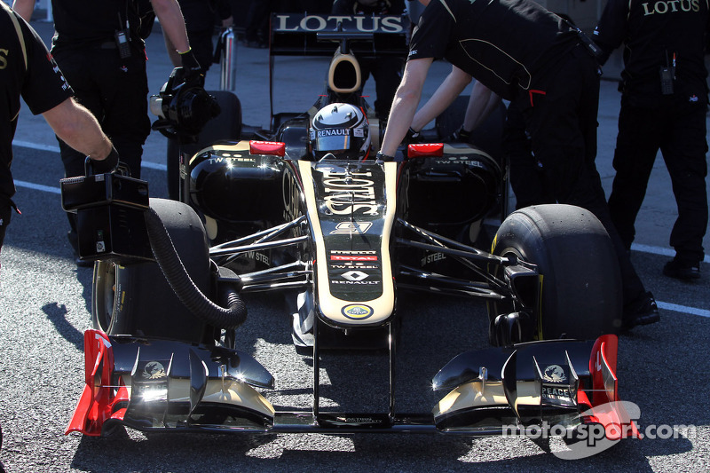 Lotus pulls out of Barcelona test after chassis problems