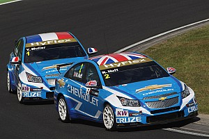 WTCC Huff claims his first 2012 pole at Salzburgring