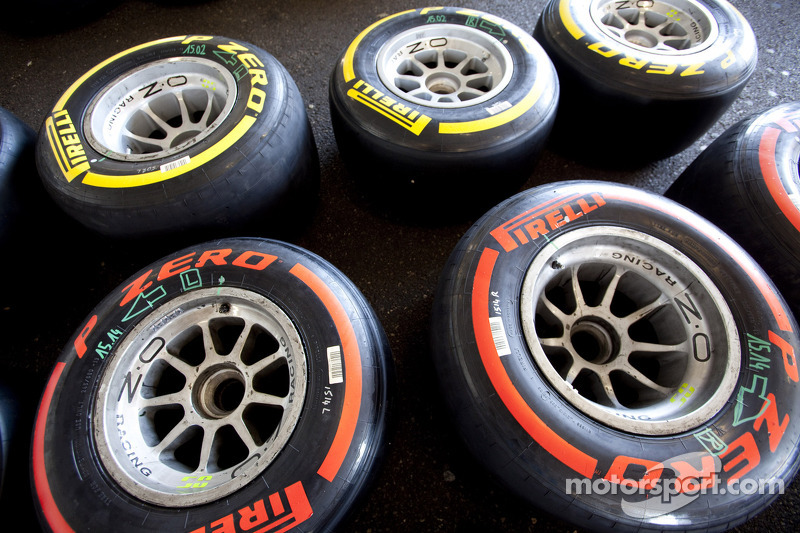 Pirelli drivers enjoy action-packed GP2 and GP3 in Valencia