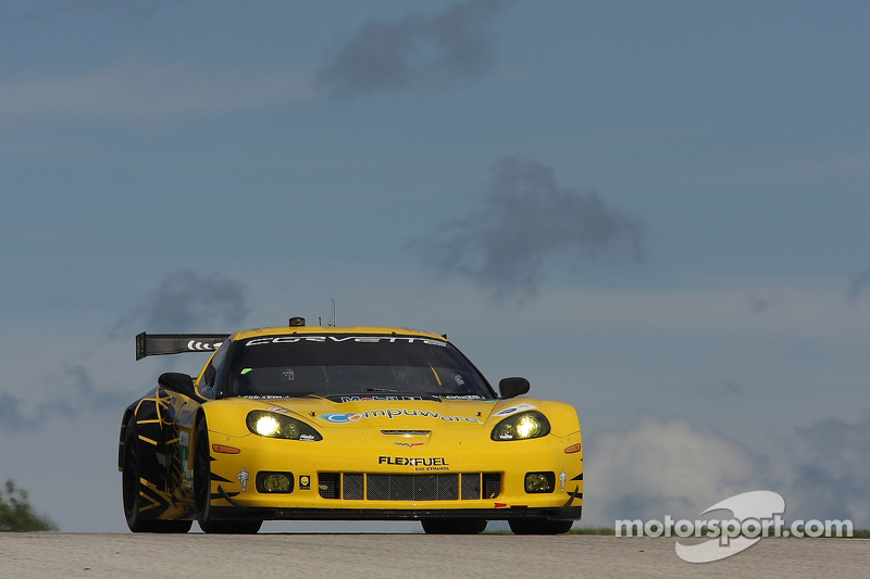 Corvettes qualify third and fifth in record Road America qualifying session