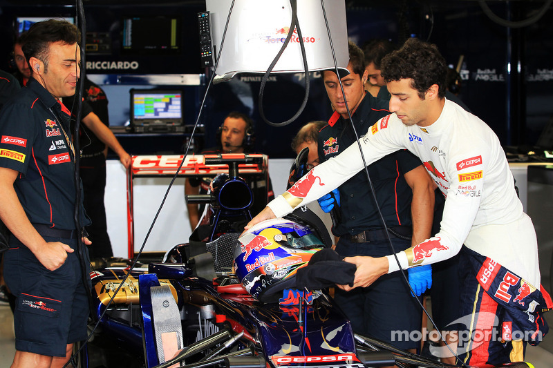 Toro Rosso lookes at various set-up options for Italian GP weekend