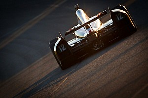 IndyCar Special feature Hot & Slick: Championship fights to be played out in Fontana