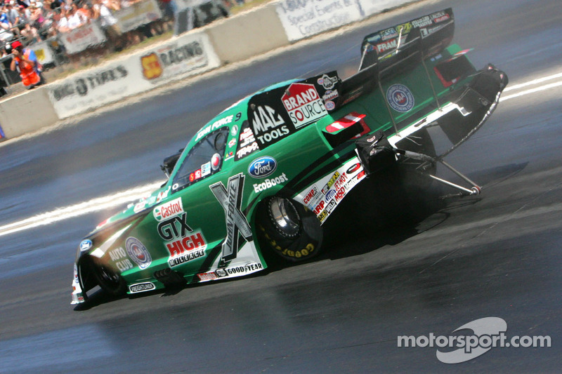 First day of qualifying at St. Louis puts Force at the top