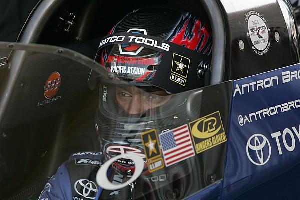 Antron Brown takes top fuel pole at Gateway