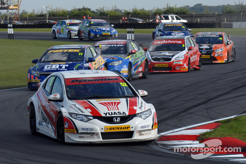 Seven-way championship battle comes to Silverstone