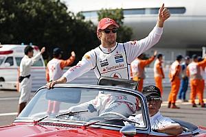 Formula 1 Analysis Button working to build McLaren team around him