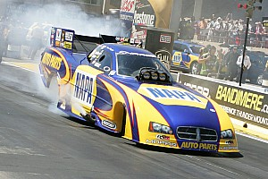 NHRA Qualifying report Capps at Pomona season finale narrows gap to 2 points in race for first world title