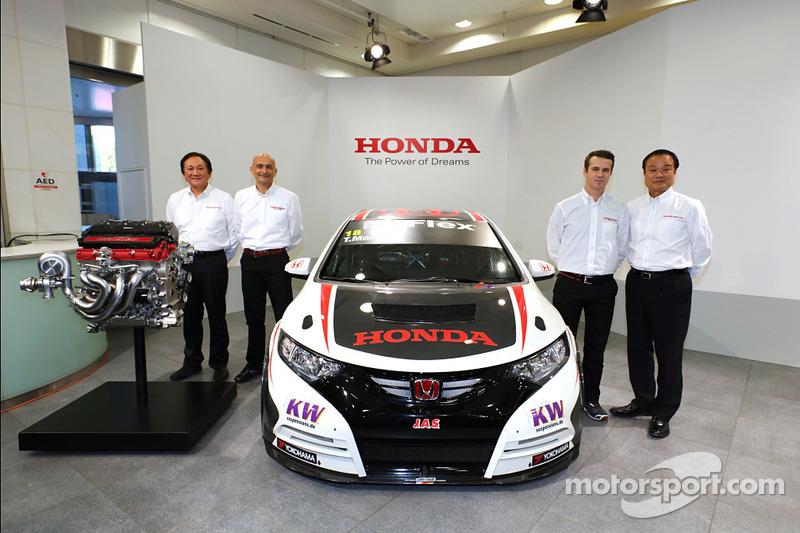 Tiago Monteiro covers over 1200km in the Honda Civic