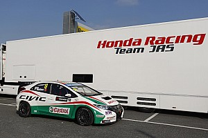 WTCC Preview Tiago Monteiro on the starting blocks for round one at Monza