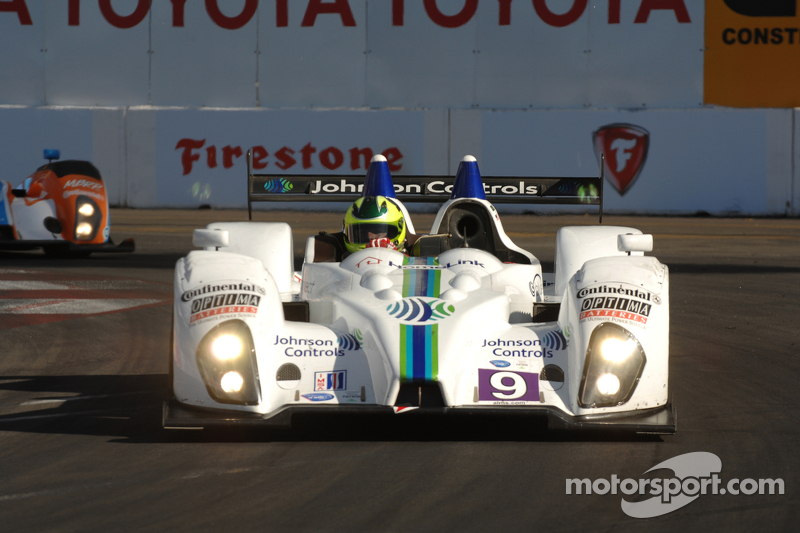 Sofronas takes last-minute pole at Long Beach