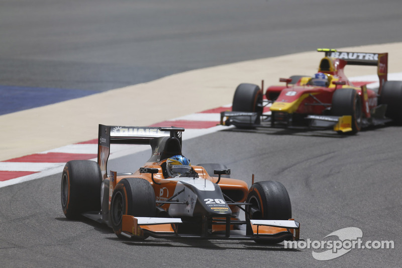 Quaife-Hobbs stars in Bahrain to take MP Motorsport's first points