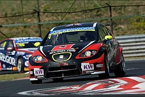 WTCC Race report Newcomer Muennich Motorsport scores first WTCC win in Hungary