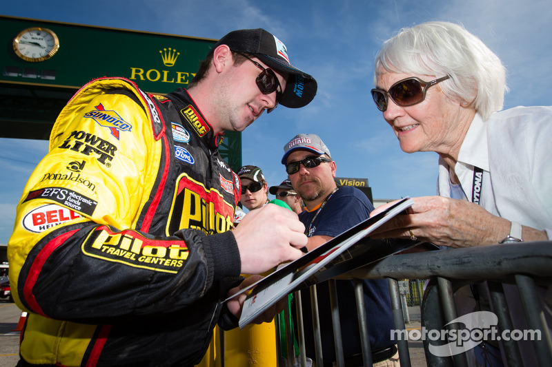 Annett returns to Daytona looking for first series win