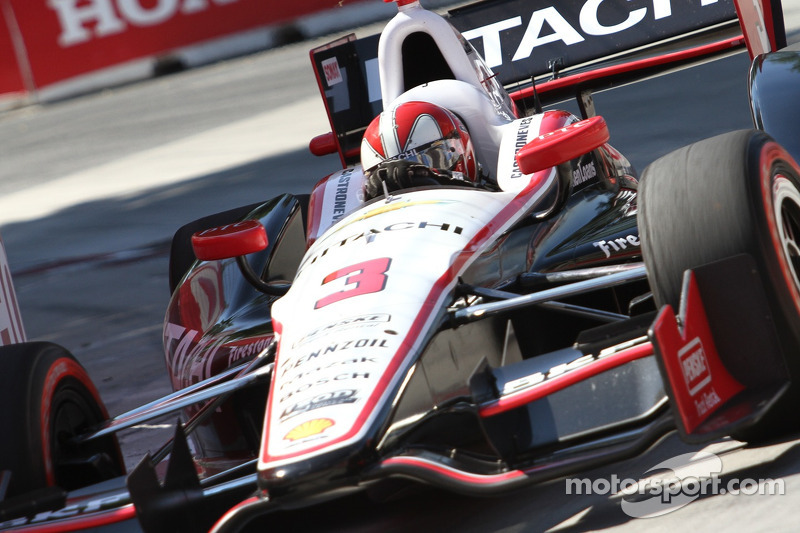 Penske's Castroneves maintained his lead in the series standings at Toronto