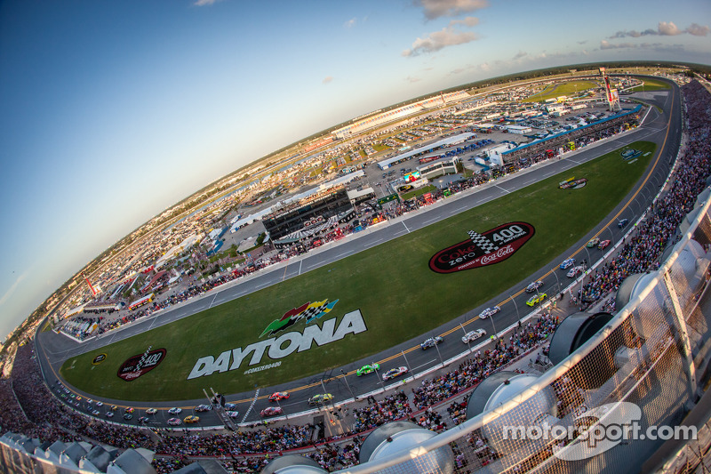 NASCAR and FOX Sports extend and expand multi-platform rights agreement