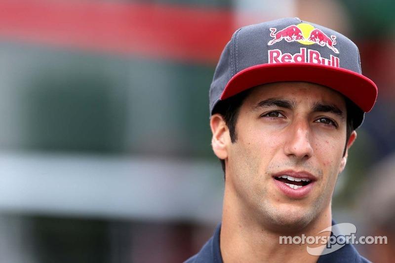 Ricciardo deal 'at least' three years - Marko
