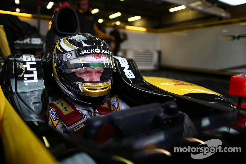 Magnussen excluded from the race one results at Paul Ricard