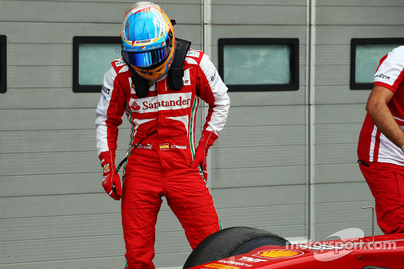 Alonso slams poor 'quality' of Pirelli tyres