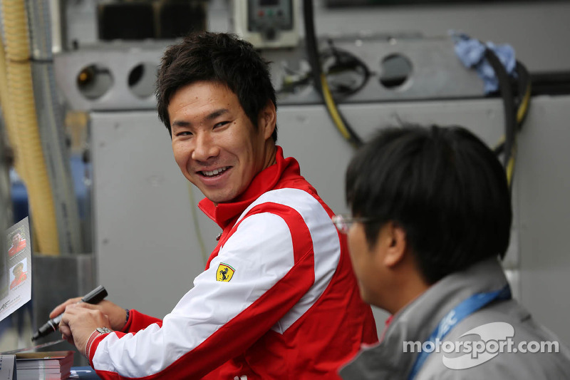 Kobayashi apologises for smoking
