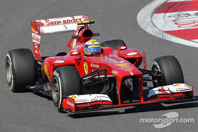 Hamilton, Rosberg disagree over Massa's Williams move