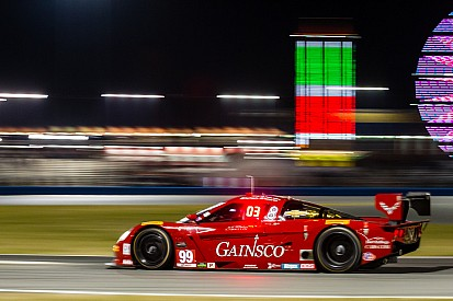 Gurney takes historic pole for Rolex 24