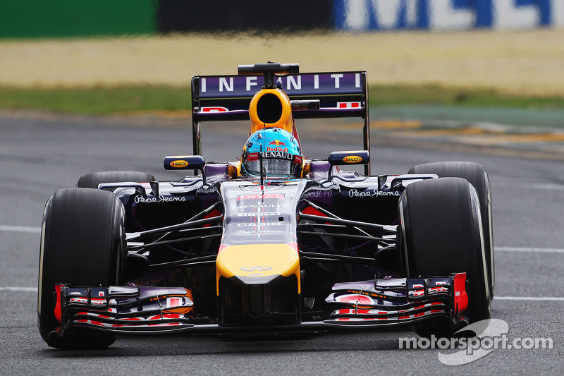 Renault still 'a month' behind - Taffin