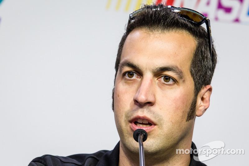 Sam Hornish Jr. replaces ailing Denny Hamlin for Sprint Cup race at Fontana