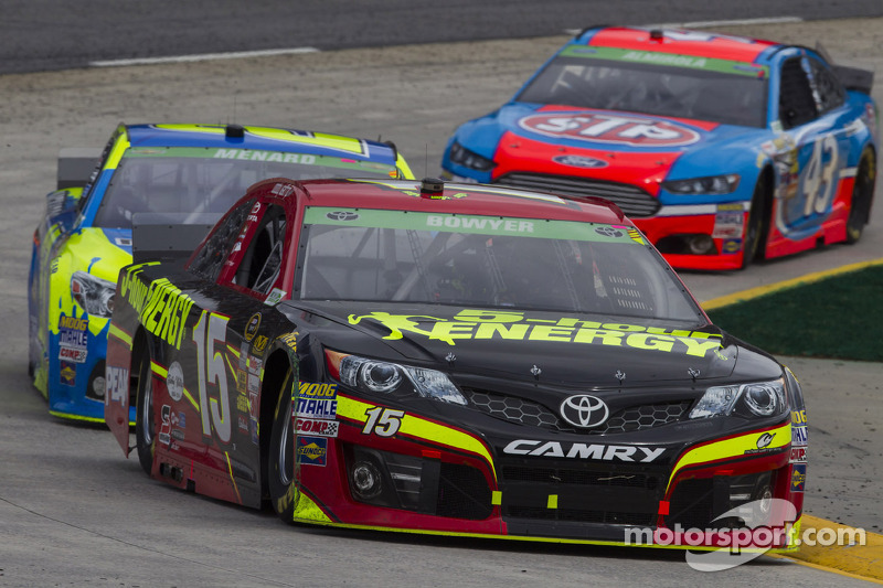 Duck Dynasty star teams up with Clint Bowyer