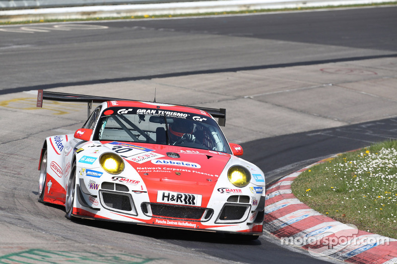 First victory in the season for Frikadelli-Racing