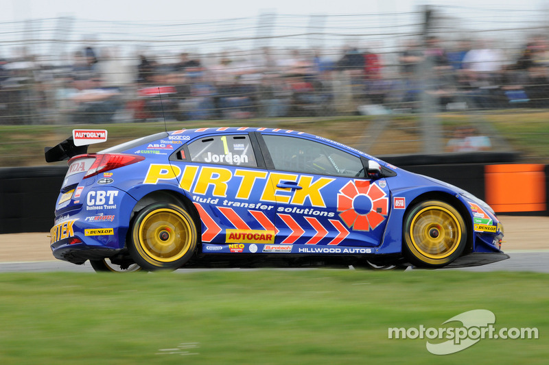 Andrew Jordan claims first Thruxton victory in Race 1