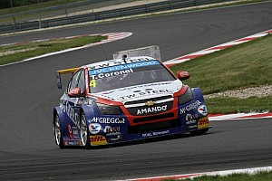 WTCC Race report Tom Coronel just misses out on podium finish in FIA WTCC Slovakia - video
