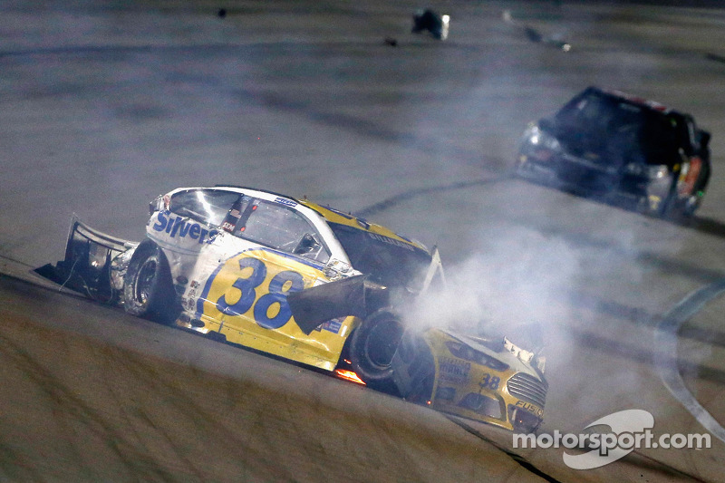 David gilliland is cleared to race at charlotte motor speedway for Nascar ride along charlotte motor speedway