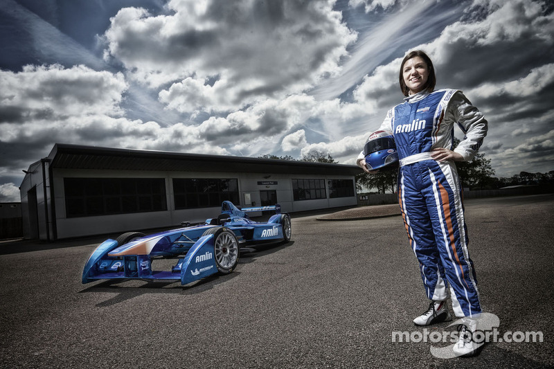Amlin Aguri signs Katherine Legge to race in Formula E