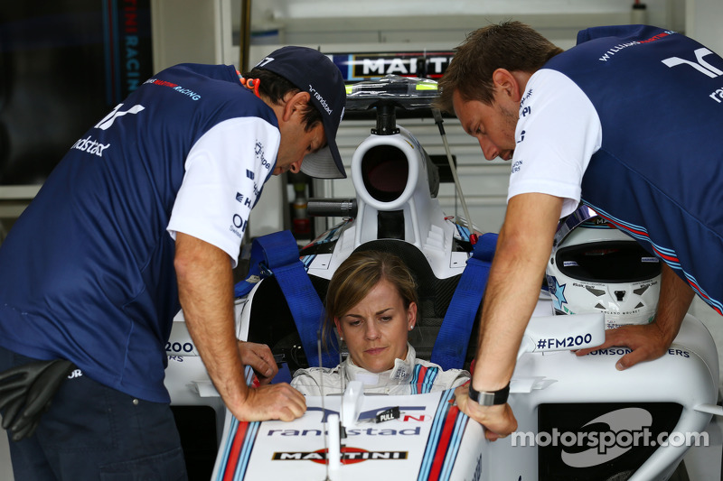 Williams Martini Racing talks about practice