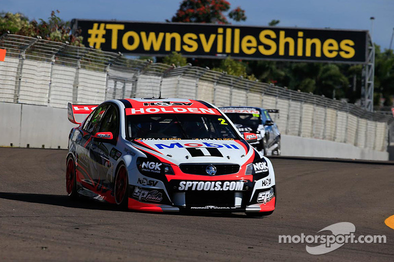 Tander secures first victory of 2014 in HRT 1-2 finish