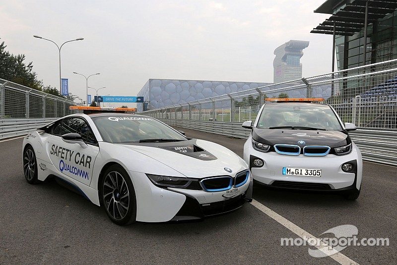 Bmw I8 And Bmw I3 In Action As Safety Cars On The Beijing