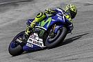 Rossi usa nueva caja de cambios  y brilla en Sepang