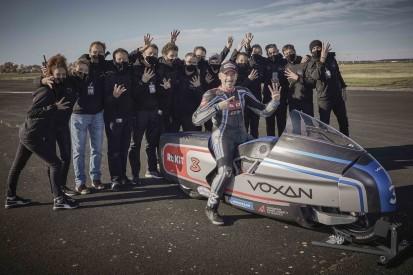 Rekordversuche: Max Biaggi mit Elektromotorrad rund 400 km/h schnell