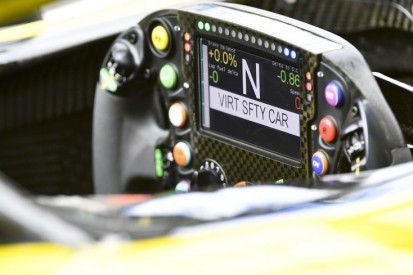 Warum das Lenkrad-Display bei F1-Nachtrennen gedimmt wird