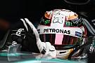 Hamilton tenía un nuevo casco para Malasia